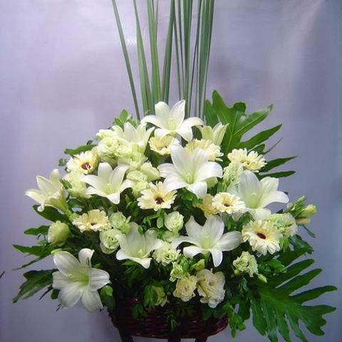 Funeral Flowers |Sympathy Spray |Condolence Flower Stand |Funeral ...