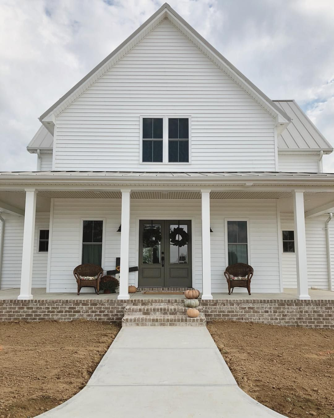 Updated Pictures Of Our Home Since I Ve Been Receiving Questions About The Interior We Moved At The With Images House Plans With Photos House Plans Farmhouse Gable House