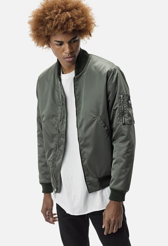 1bc5c932e Pin by John on Photoshoot | Bomber jacket, Bogota, Jackets