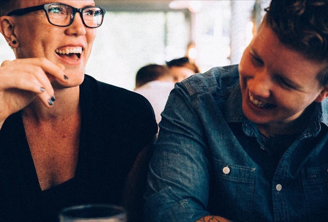 2015 och livet med Frida // resor vardagsliv träning långa diskussioner om allt portvin kultur och så gifte vi oss! Vilken grej. Tryggheten. Kärleken. Varje dag.  @alongcomesjones  #vscocam #leica #lifestylephotography #love #queerlife #dapperq #lesbianlife #newyorknewyork