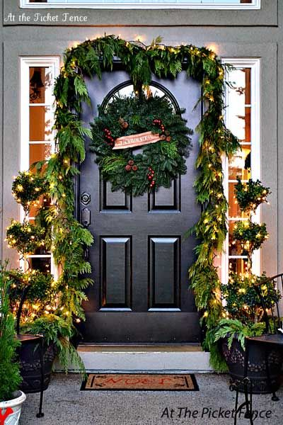 A Christmas Door Decoration for Holiday Spirit! Garlands