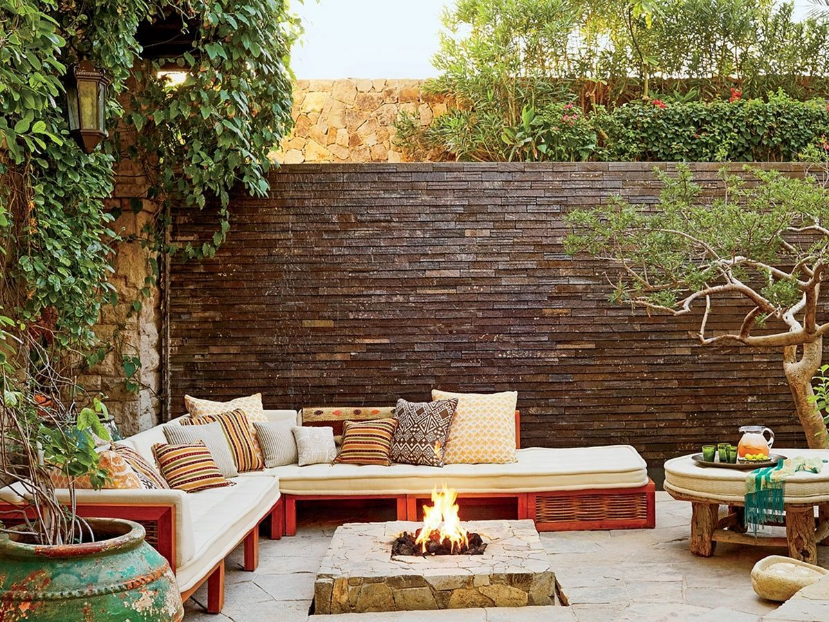35+ Extraordinary Outdoor Living Room With Stunning ... on Living Room Fire Pit id=65076