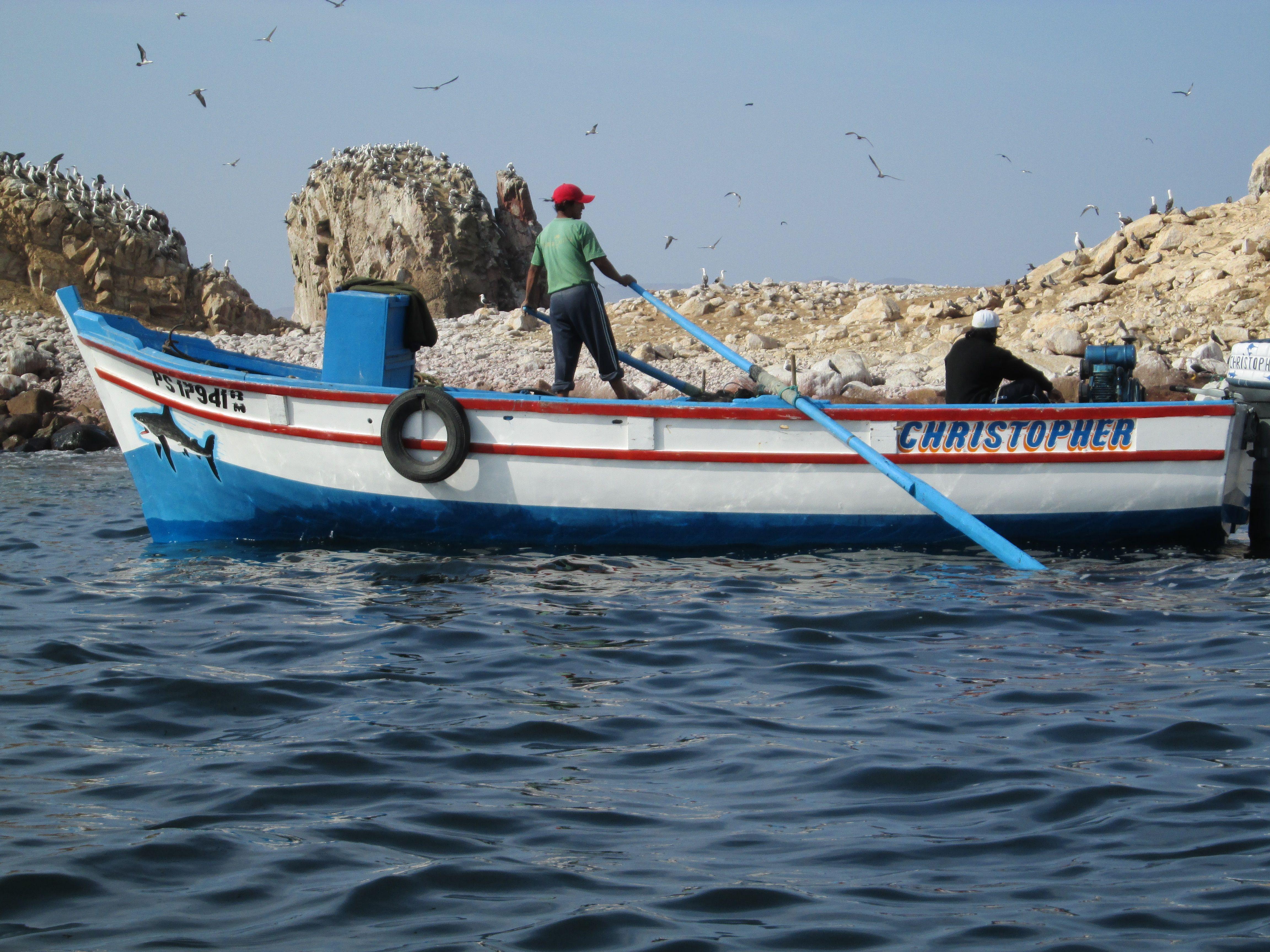 Pescadores en Islas Ballestas