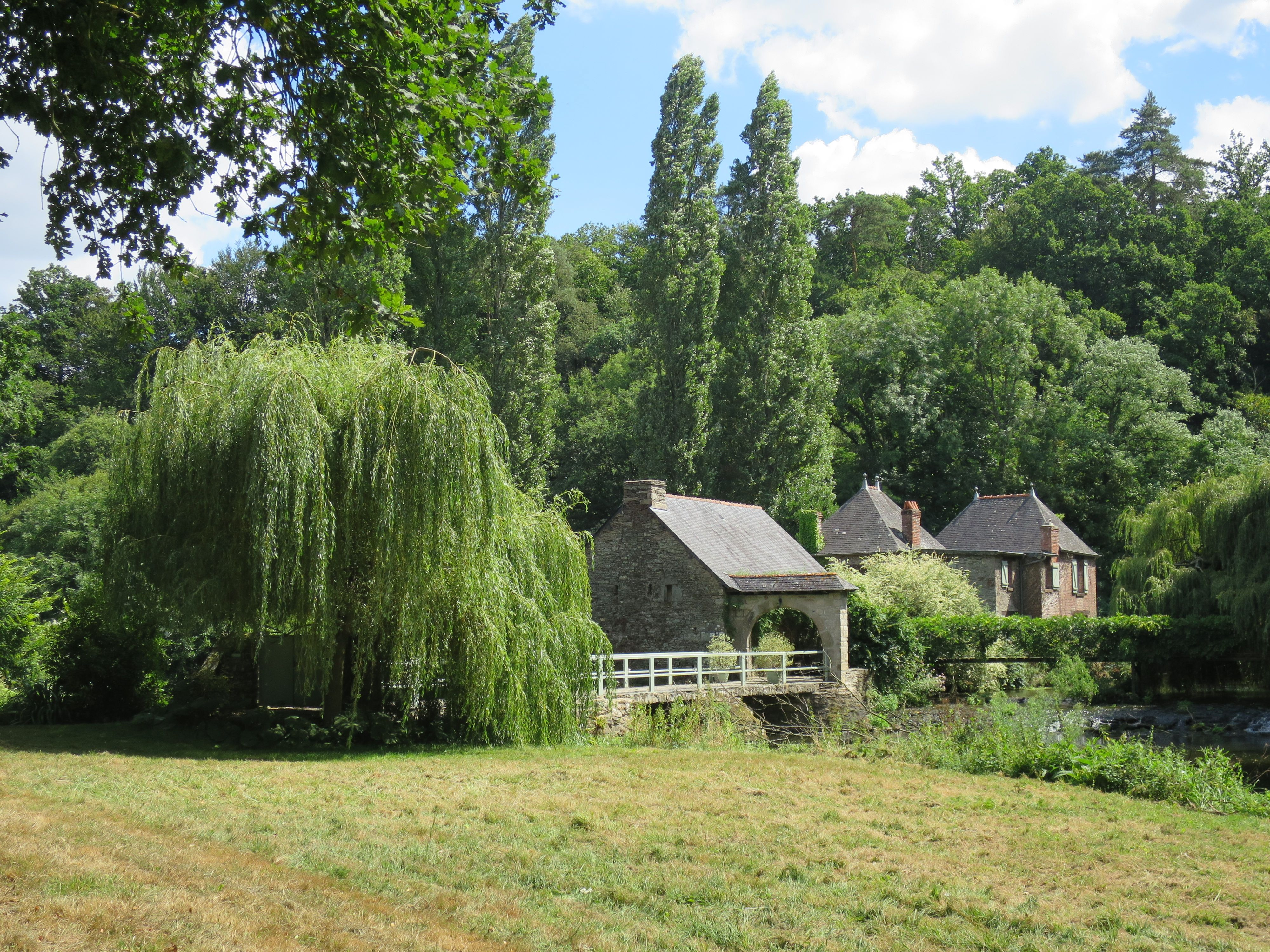 foto de Moulin de Beaufort - Josselin - Canal de Nantes à Brest - #nature ...