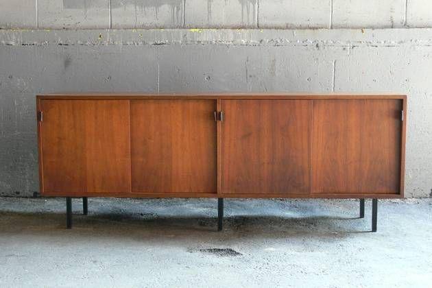 Credenza La Maison : 1960s credenza in walnut florence knoll side boards pinterest