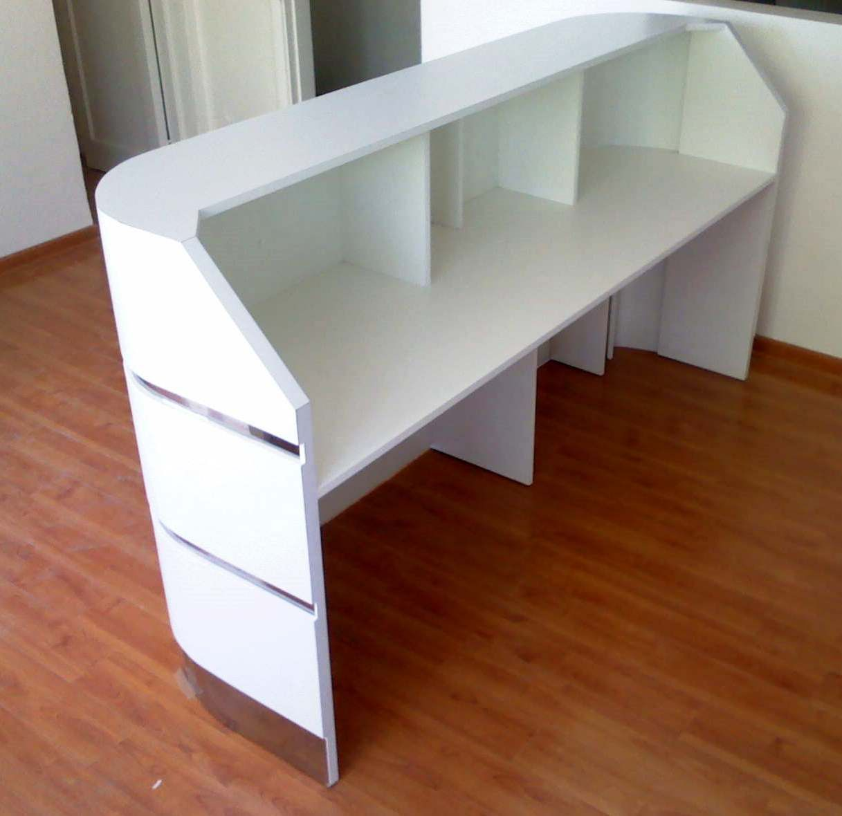 Muebles de recepciones y mesones de atencion para oficinas for Diseno de muebles de oficina modernos