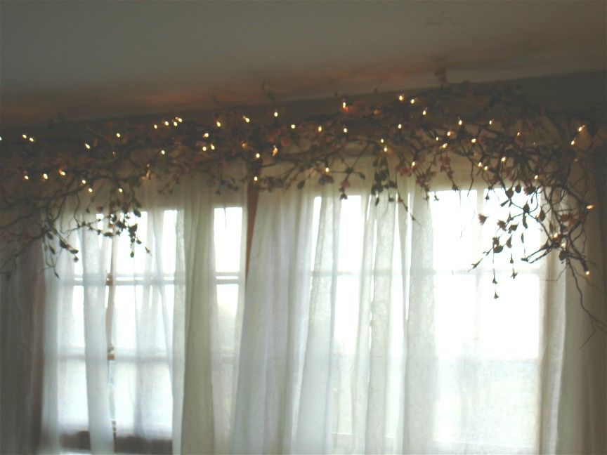 Window Curtain Decorating Ideas: Rustic Window Treatment Idea