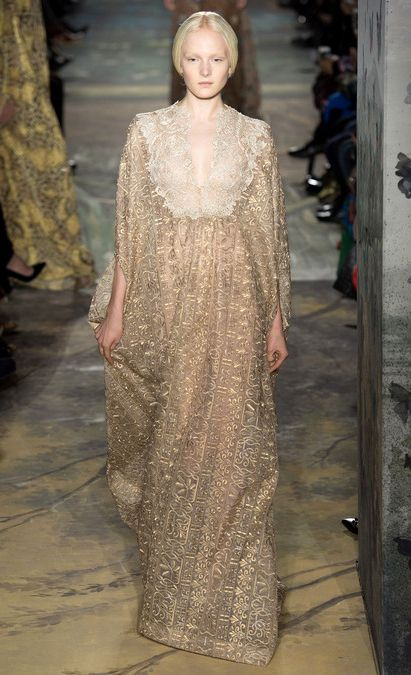 Golden embellished caftan | Valentino Spring Summer 2014 Haute #Couture #fashion #dress