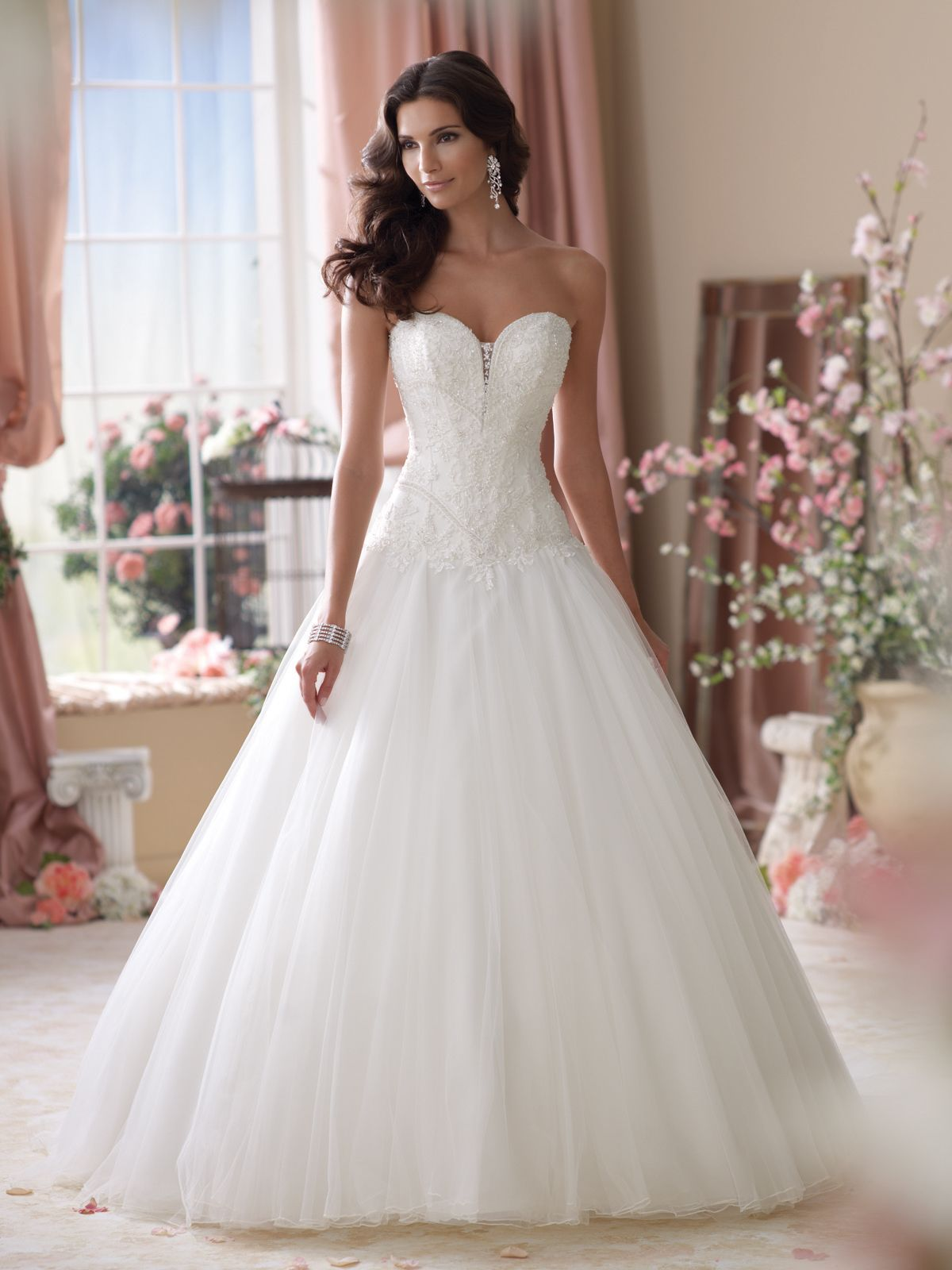 Strapless Embroidered Lace And Tulle Ball Gown Wedding Dress Hand Beaded Deep Sweetheart Neckline