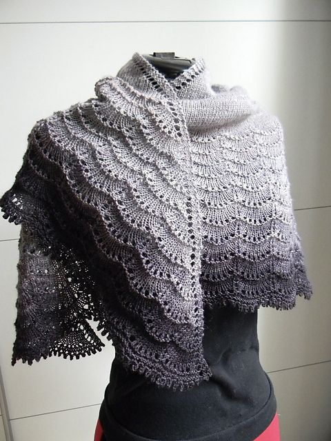 Holden pattern by Mindy Wilkes | Chal, Pavo y Tejido