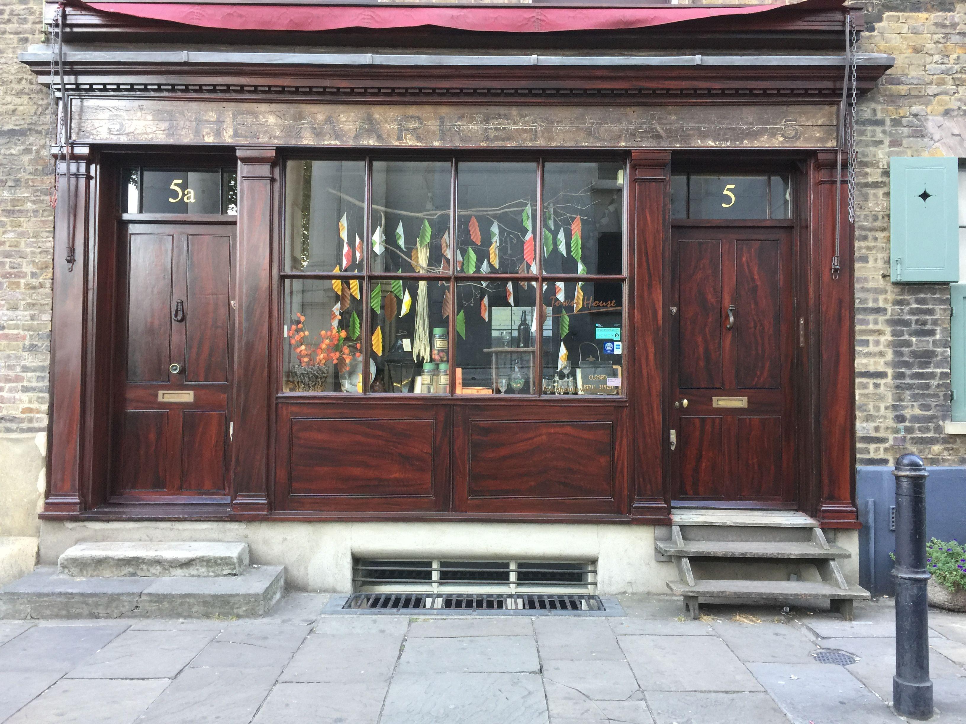 Mahogany wood graining shopfront by ian Harper  - Spitalfields London