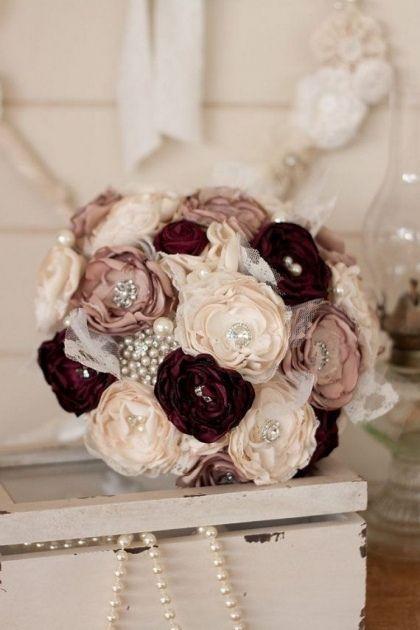 Fleur en tissu - tutoriels et idées originales à reprendre pour votre intérieur! #fleursentissu