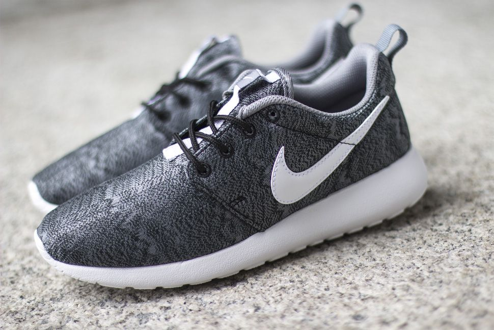 Nike Rosherun Print (GS) - Black/White-Anthracite-Cool Grey Wholesale