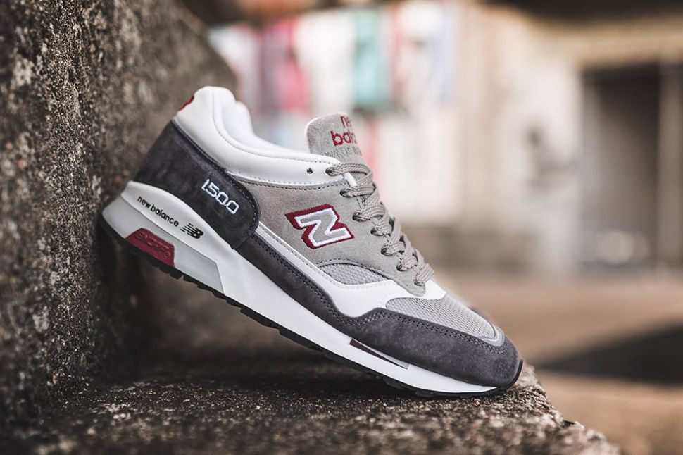 Made in England New Balance 1500 in Grey, White & Red - EU Kicks: