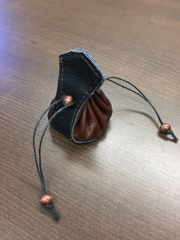 cadeau femme porte-monnaie cuir abeille grav\u00e9e artisanal