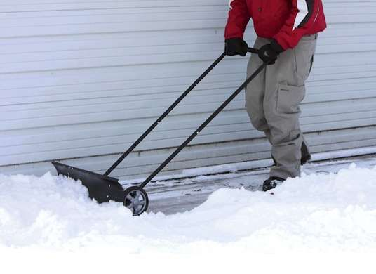 The 14 Best Tools For Conquering Ice And Snow Snow Shovel Shovel Snow