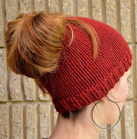 e44560f425508 Free Knitting Pattern for Ponytail Holey Hat - This easy ponytail-friendly  beanie is a quick knit in bulky yarn. Designed by SplitStitch Designs