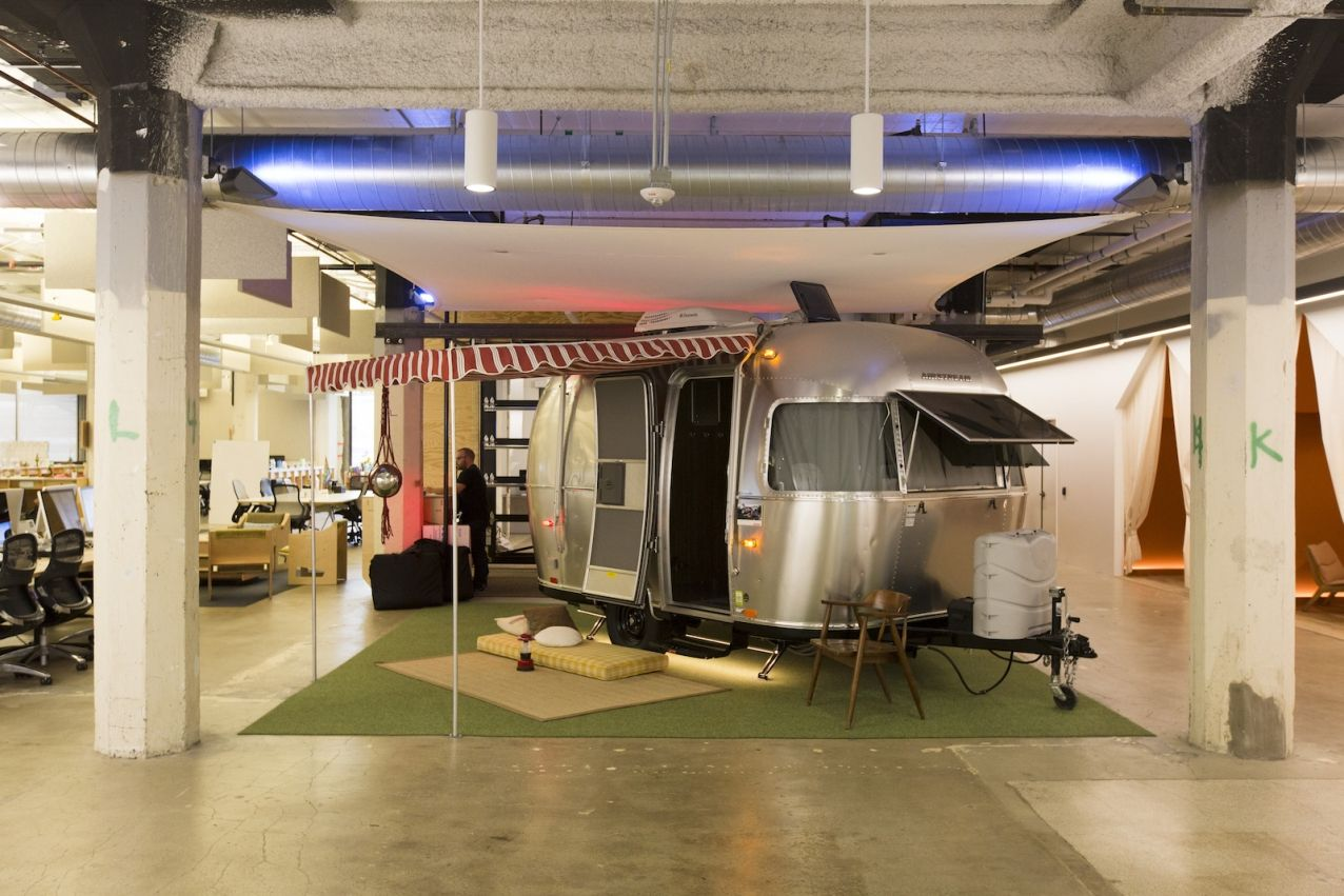 Airbnb-office in California is open, unfinished and encourages cooperation   Helsinki Design Weekly, photo Airbnb