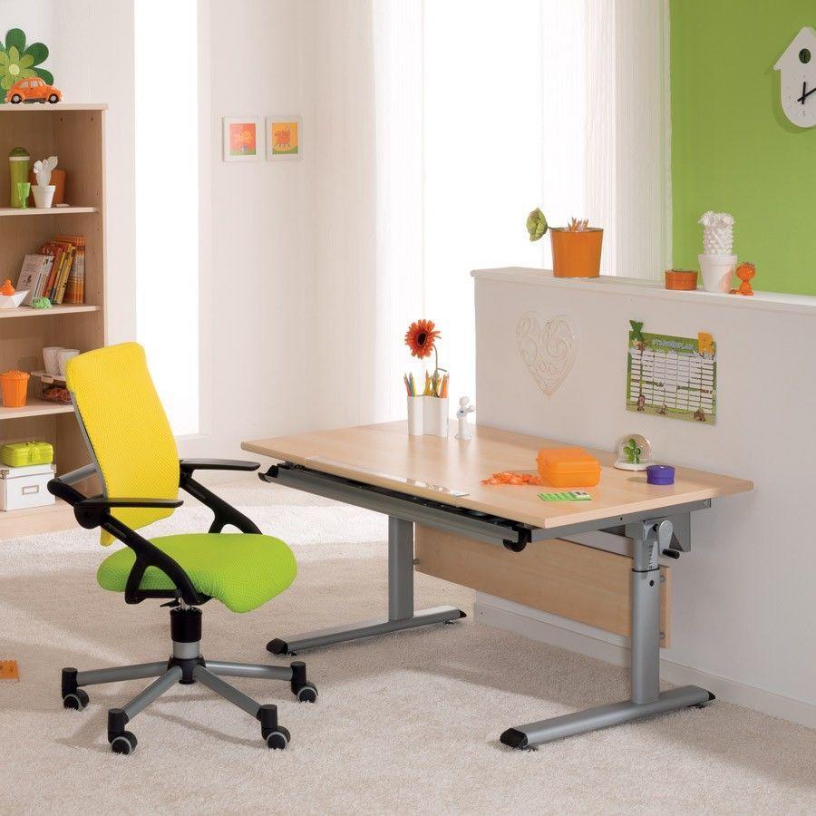 Ein Set Aus Ergonomischen Drehstuhl Und Hohenverstellbaren Kinderschreibtisch Kinderschreibtischstuhl Stuhle Und Kinderschreibtisch