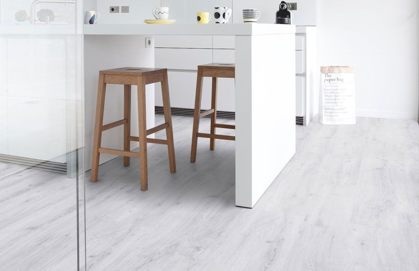 Pvc In Badkamer : Pvc vloer met houtlook. geschikt voor alle ruimten zoals de badkamer