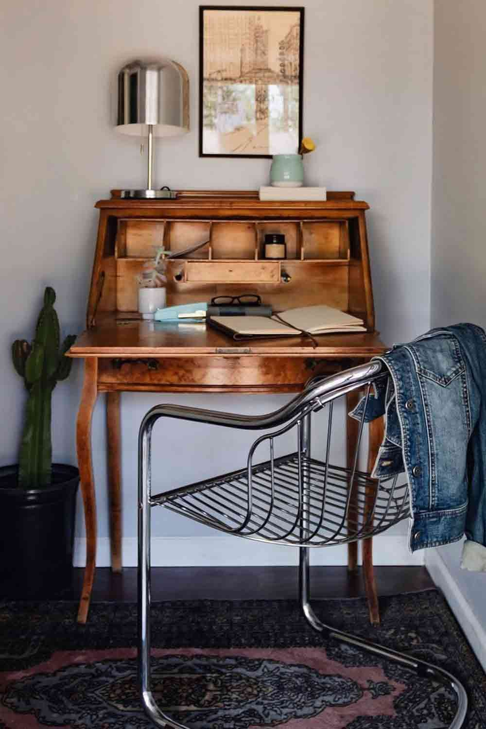 Modern, antique, and vintage secretary desk design ideas to fit in  living room and other rooms as well. #secretarydesk #furniture  #homedecor #vintagefurniture