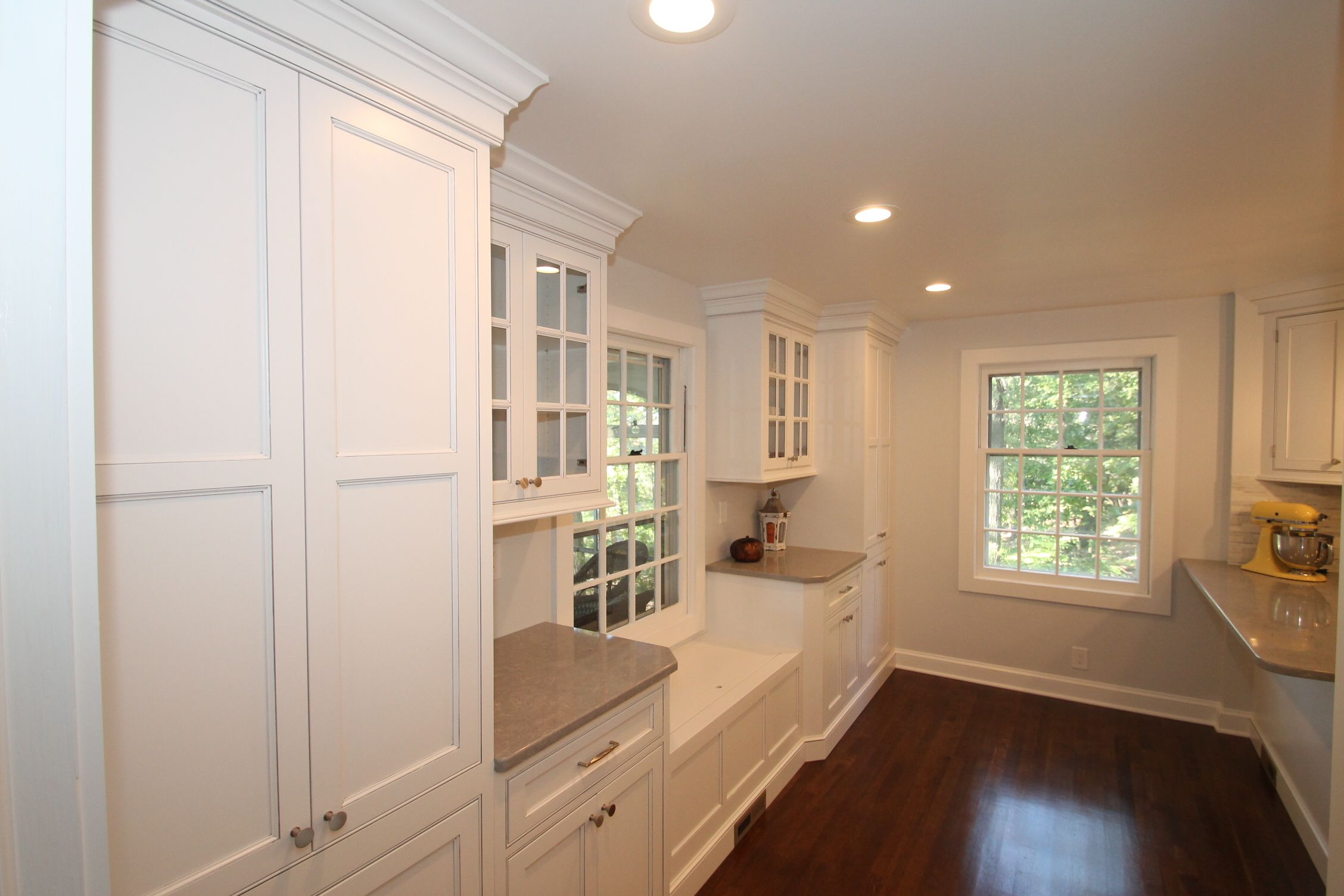 Our Customer In Verona Selected Classic White Inset Cabinetry Which Blended Well With Their 1920 S Discount Kitchen Cabinets Inset Cabinetry Counter Seating