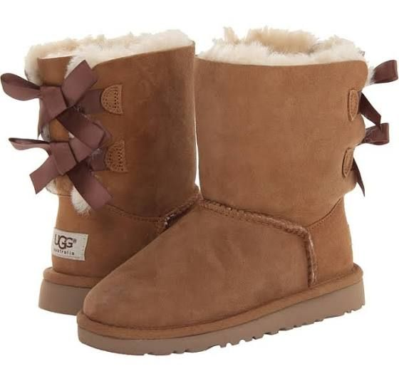 Tan Uggs with bows 992f2b8c2908