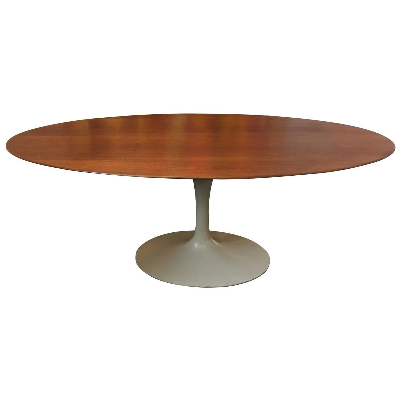 Oval 72 Eero Saarinen Walnut Pedestal Tulip Dining Table Knoll