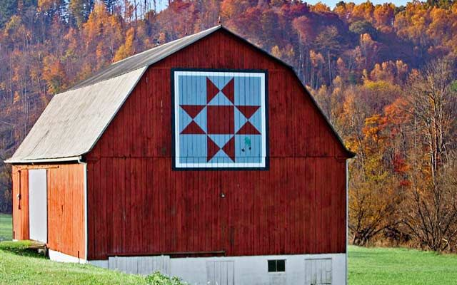 Quilt Barn Road Trip -- Tour of quilt barns of Kentucky and Ohio from Country Magazine.