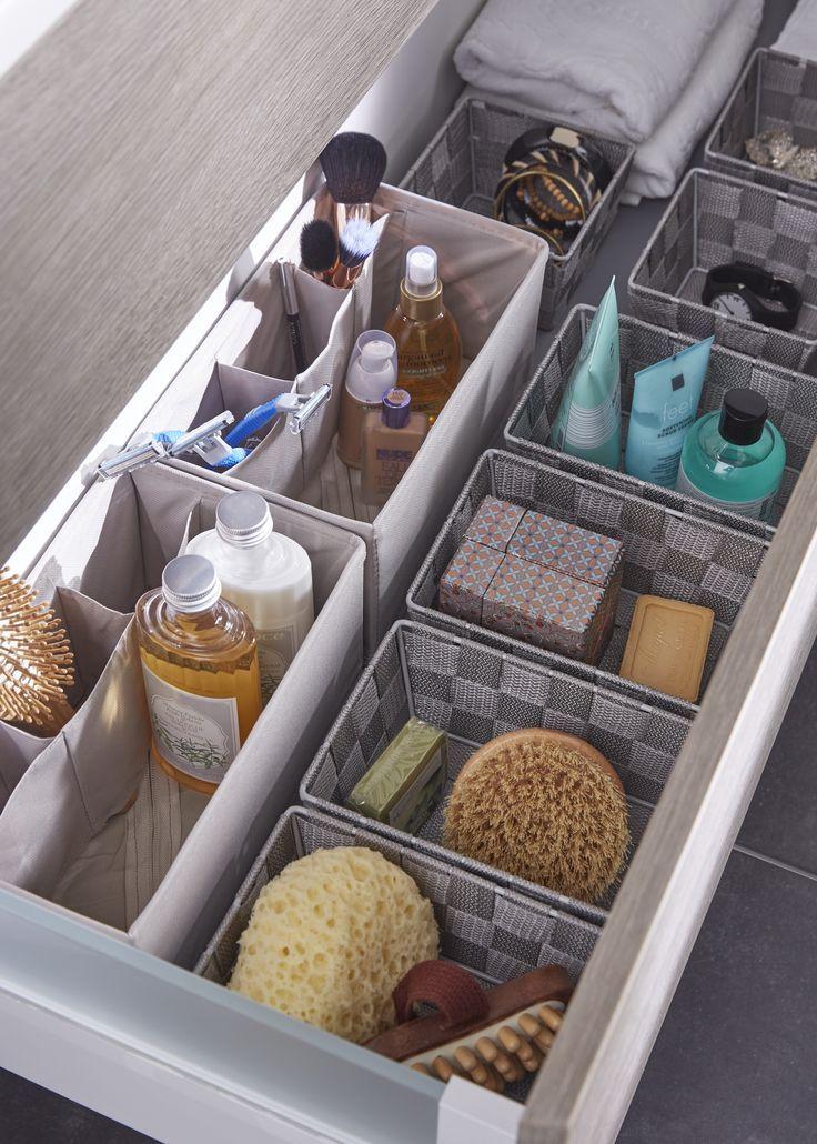 des paniers de rangement dans vos tiroirs de salle de. Black Bedroom Furniture Sets. Home Design Ideas
