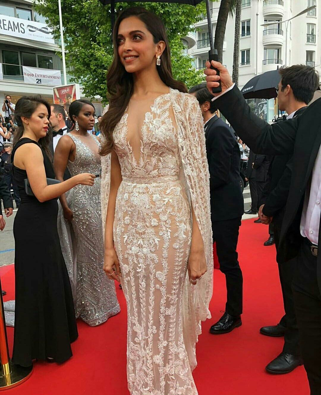 When in Cannes Deepika Padukone 1st Red Carpet for ...