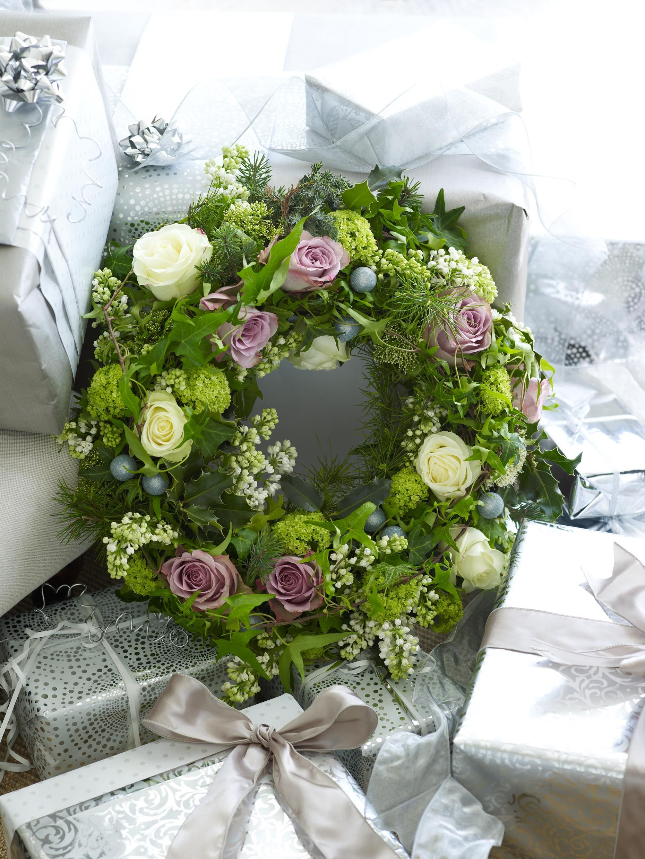 Beautiful wedding wreath pink wedding flowers wedding