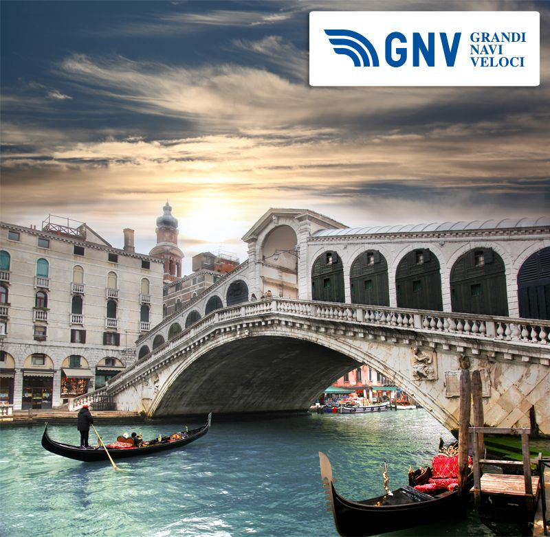 #rialto bridge and with #gondola on Grand Canal in #venice #italy #grandcanal #rialtobridge  Reach Italy with www.gnv.it