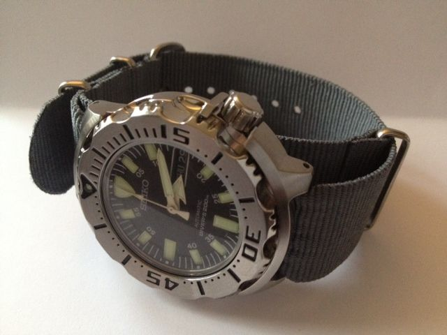 http://forums.watchuseek.com/attachment.php?attachmentid=589447&d=1325190882