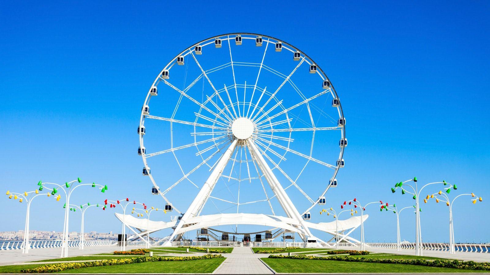 The First Place Tourists Visit In Baku Baku Boulevard Tourist Baku City Places