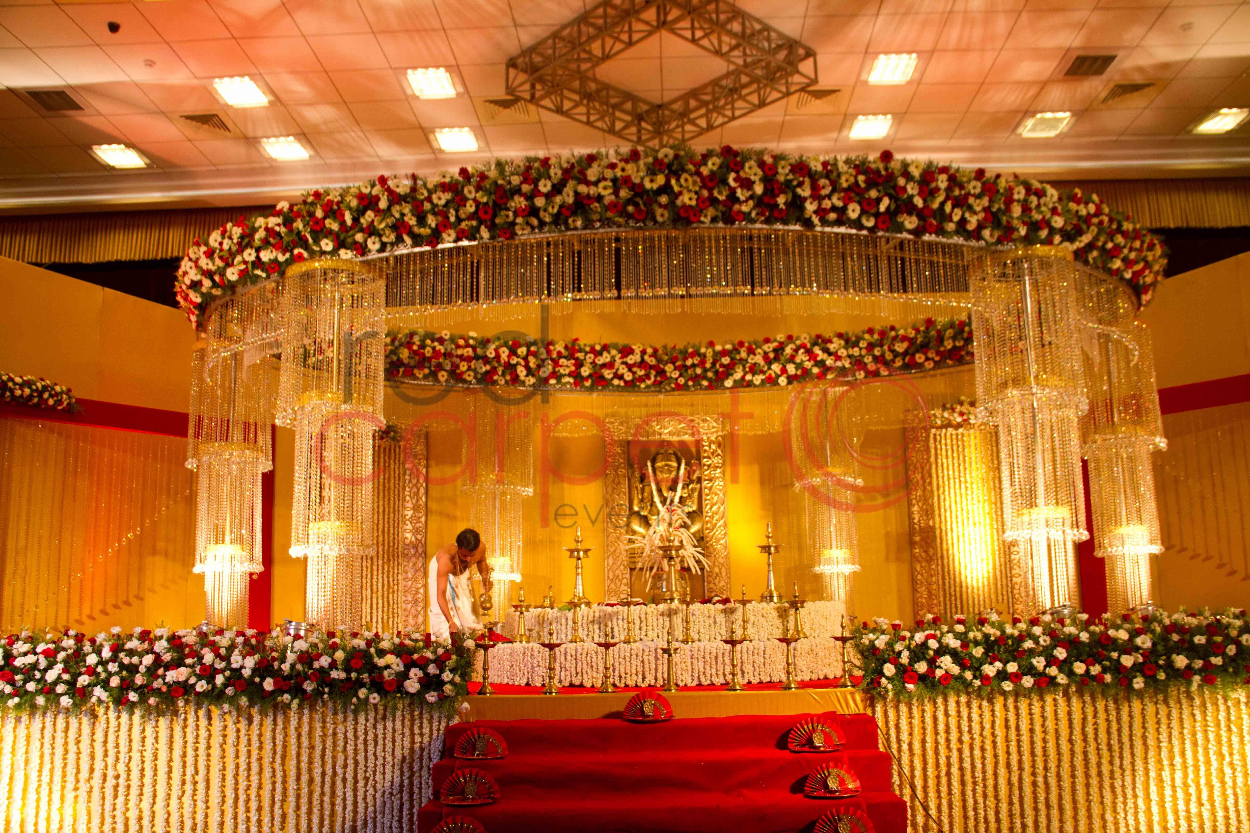 Hindu crystal wedding stage | Wedding stage decorations ...
