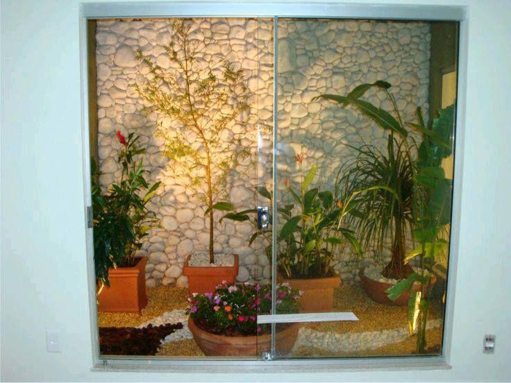Ideas de jardines y patios interiores (22