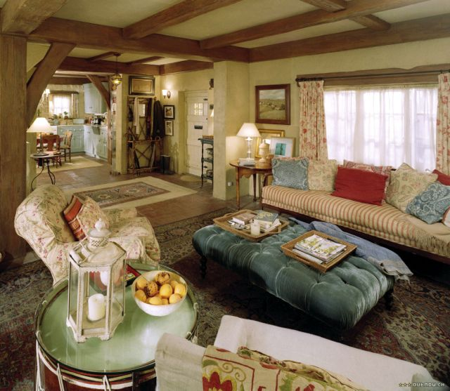 Home Tours: English Cottage from The Holiday ... lots of #housetours at this site.