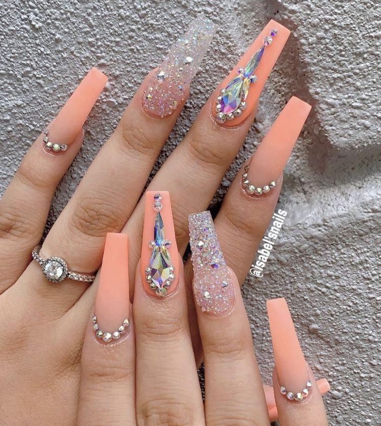 Hermosas Unas In 2020 Nails Design With Rhinestones Bling Acrylic Nails Rhinestone Nails