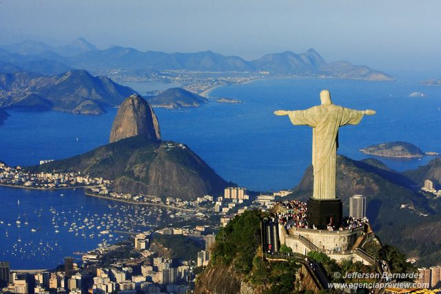 Cidade do Rio de Janeiro é eleita Patrimônio Mundial da Humanidade pela Unesco.