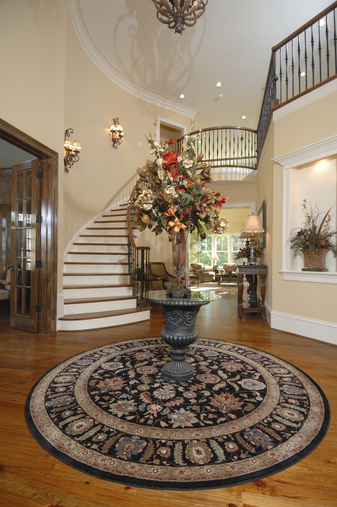 101 Foyer Ideas For Great First Impressions Photos Round Foyer