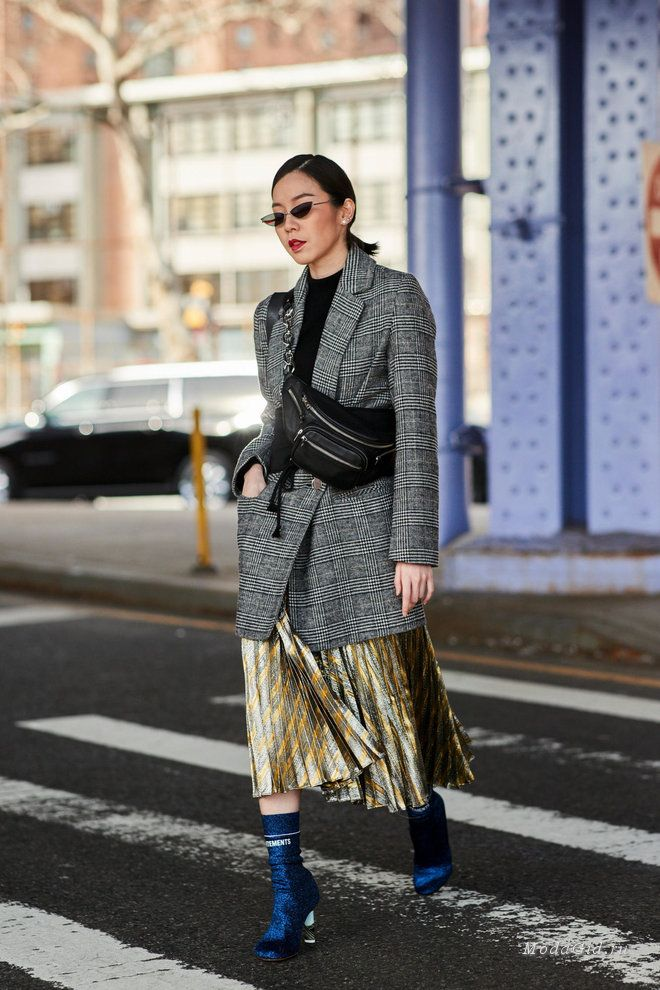 Уличная мода  Стритстайл на неделе моды в Нью-Йорке сезона осень-зима 2018- 2019 ac944db678c