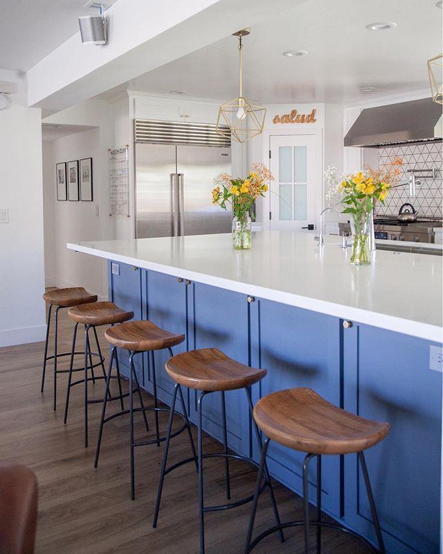 Best Modern Minimal White Kitchen Remodel With Wolf Gray 400 x 300