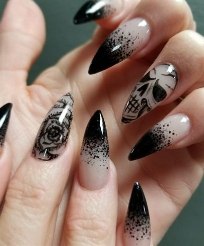 Skulls N Roses By Oli123 From Nail Art Gallery With Images Black Nail Designs Gothic Nails Gothic Nail Art