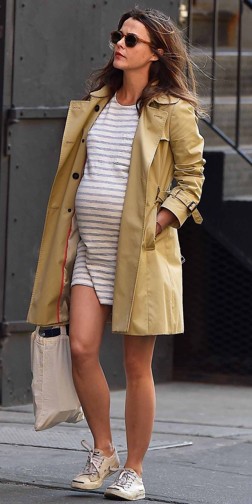 9166e676bf340 The Best Celebrity Maternity Street Style Looks - Keri Russell, April 2016  - from InStyle