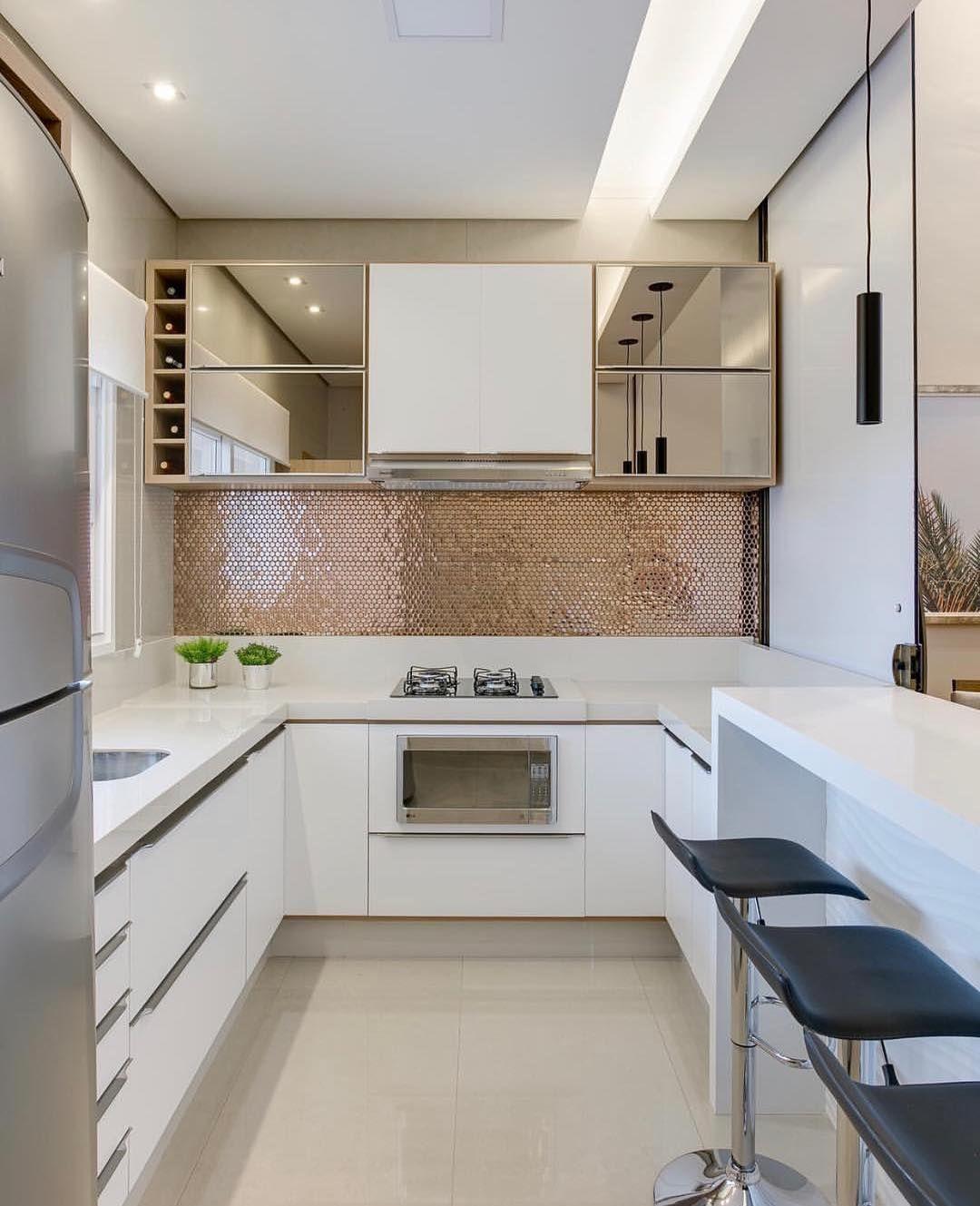 Pin de valeri martinez en deco cocinas modernas cocinas for Remodelacion de casas pequenas