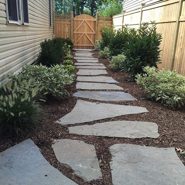 Side And Backyard Idea: Meander Through The Side Yard On The Irregular Blue Stone