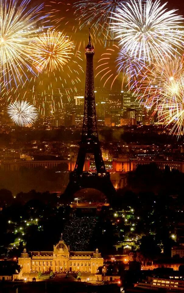 paris in gold and black happy new year