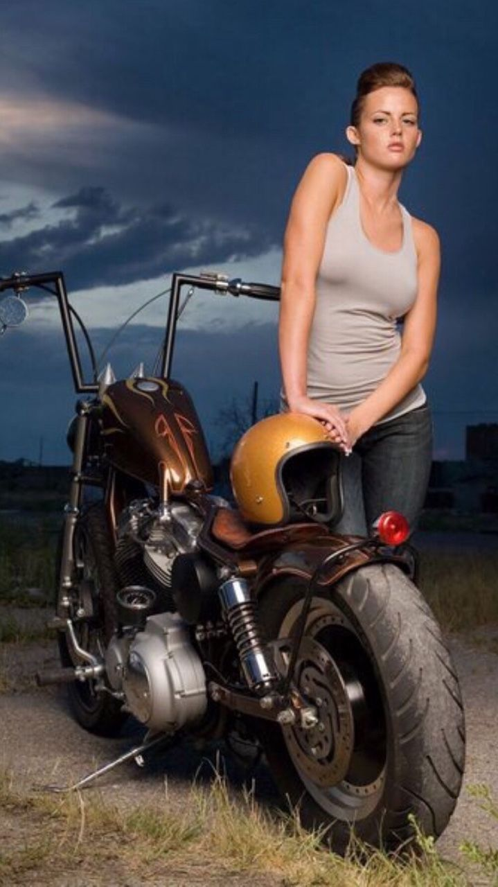 Mostly bikes and women | chicas guapas | Pinterest | Girl car ...