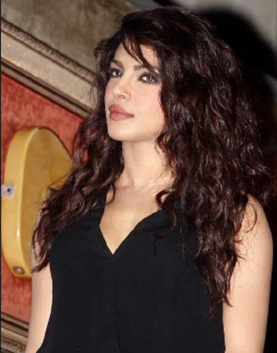 10 Best Hairstyles Of Priyanka Chopra Priyanka Chopra Hair Cool Hairstyles Hair Styles